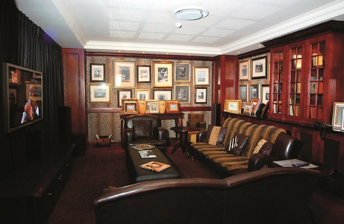 African Pride Melrose Arch Man Cave
