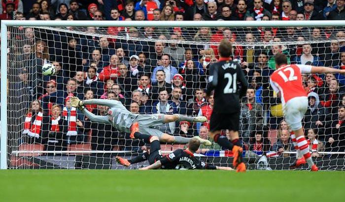 Ozil Freekick vs Liverpool