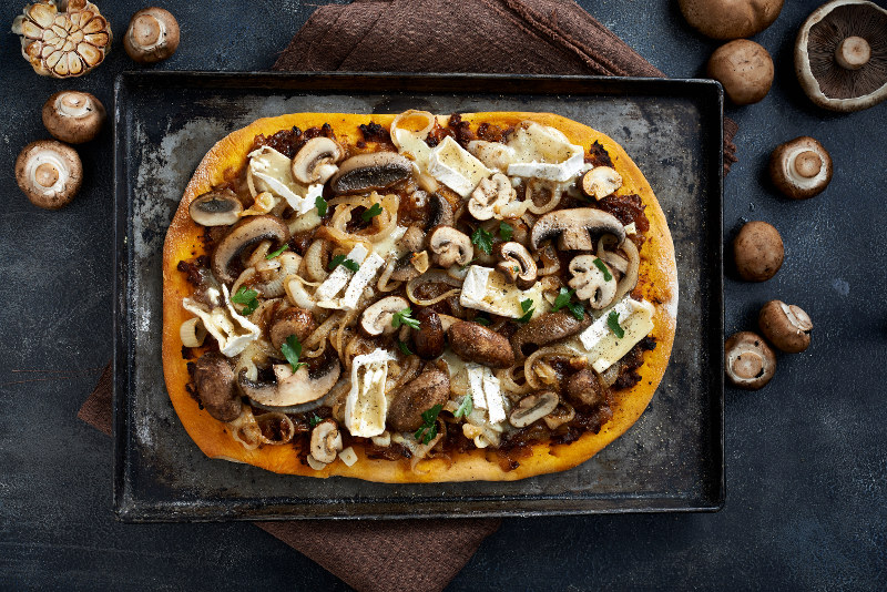 MUSHROOM, CARAMELIZED ONIONS, BRIE & ROASTED GARLIC PIZZA