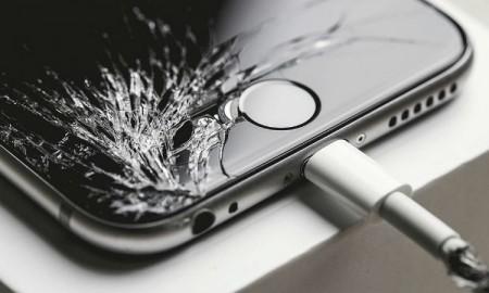 iPhone 6 cracked
