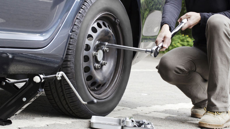 How-to-change-a-tyre-2